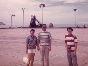 1973 Dad, Mom and Steven in Mexico